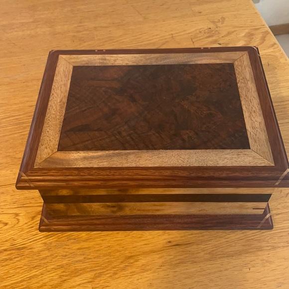 Real handmade wood box 📦 jewelry